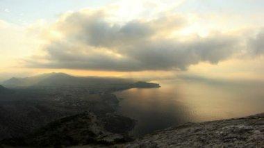 Timelapse zonsopgang in de bergen. noviy svet, krim, oekraïne — Stockvideo