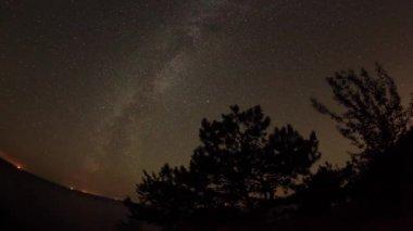Starry sky over the reservoir in Kremenchuk — Stock Video