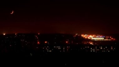 Night. Sunset Moon in the city, FULL HD. (Time Lapse) — Stock Video