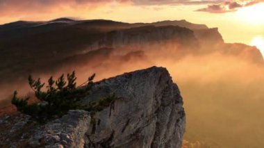 Timelapse sunrise in the mountains Ai-Petri. Alupka, Crimea, Ukraine. FULL HD — Stock Video