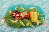 Christmas decorations with candle and spruce — Foto Stock