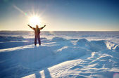 Mann und Winter Eis. — Stockfoto