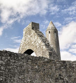 Kilmacduagh klášter — Stock fotografie