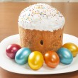 Easter cake and painted eggs — Stock Photo