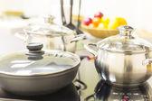鍋をコンロ — ストック写真