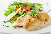 Chicken fillet with vegetables — Stock Photo