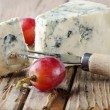 Blue cheese on wooden — Stok fotoğraf