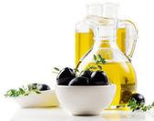 Azeite e azeitonas — Foto Stock