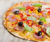 Pepperoni pizza — Stock Photo