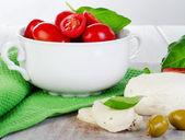 Mozzarella with cherry tomatoes — Stockfoto