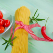 Uncooked spaghetti — Stock Photo