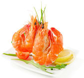 Tiger shrimps with fresh vegetables — Stock Photo