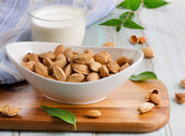 Almond milk — Stockfoto