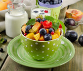 Fruit salad and yogurt — Stock Photo