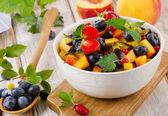 Healthy fruit salad — Stock Photo
