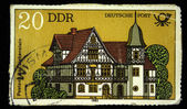 Ddr - circa 1982: eine briefmarke gedruckt in ddr (ostdeutschland) zeigt bad liebenstein postamt, ca. 1982 — Stockfoto
