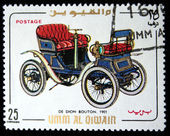UMM AL QIWAIN - CIRCA 1968: A stamp printed in one of the emirates in the United Arab Emirates shows vintage car De Dion Bouton-8 - 1901 year, full series - 48 of stamps, circa 1968 — Stock Photo