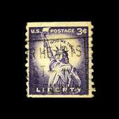 Nous-circa 1954 : un timbre imprimé en nous montre l'image de la statue de la liberté, série, vers 1954 — Photo