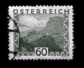 AUSTRIA - CIRCA 1931: A stamp printed in Austria shows Ohenems - castle on the mountain, circa 1931 — Foto Stock