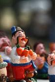 Ton souvenirs aus poltawa - kosaken mit karotten — Stockfoto