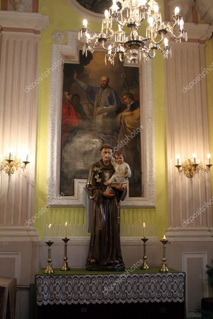 Sculpture St Anthony of Padua in the Cathedral of Peter and Paul, Lutsk, Ukraine — Stock Photo #18101203