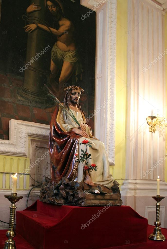 Figurine of Jesus in the Cathedral of Peter and Paul, Lutsk, Ukraine — Stock Photo #18101239