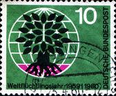 World Refugee Year, Uprooted Tree — Stock Photo