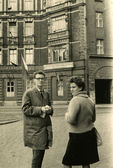 Man and woman stay on the street, Waron-Muritz — Stock fotografie