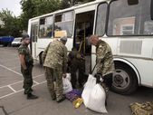 Gunmen rob military base in Luhansk — Stock Photo