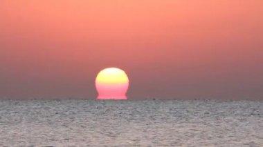 Sunrise over sea — Stock Video #12595619
