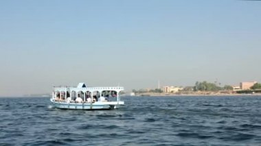 Crossing of the Nile River in Luxor, Egypt — Stock Video