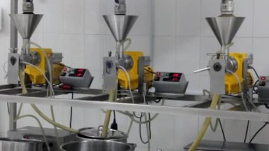 Extraction of oils in a factory — Stock Video
