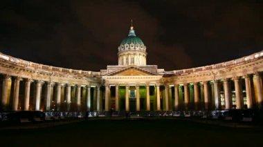 казанский собор в ночное время в санкт-петербурге - timelapse — Стоковое видео