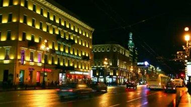 Nevsky Prospect in St. Petersburg at night - timelapse — Stock Video