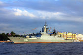 Military ship on Neva River - day of the Navy in St. Petersburg — Stock Photo