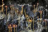 在石窟中的蜡烛 — 图库照片
