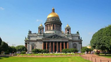 Isaakiy cathedral church in Saint-petersburg, Russia — Stock Video #13885257