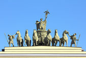 Sculptural group on Arch of General Staff in St. Petersburg — Stock Photo