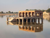 Palace on lake ruins in Jaisalmer India — Stok fotoğraf