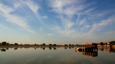 Landscape with palace on lake in Jaisalmer India — Stock Video