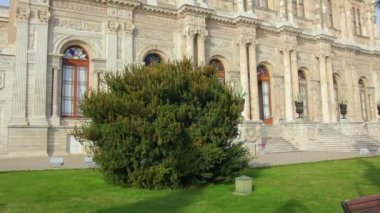 Dolmabahce sultan palace museum in Istanbul Turkey — Stockvideo