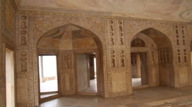 Palace interior in Agra fort - India — 图库视频影像