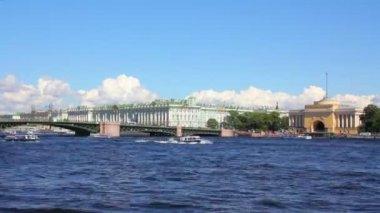 невы в историческом центре санкт петербург, россия - timelapse — Стоковое видео