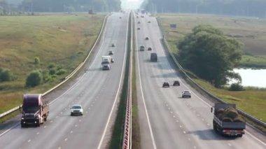 Auto viaggiando sull'autostrada - timelapse — Video Stock