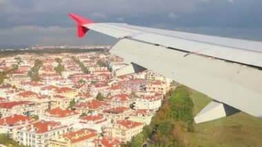 Landing in Istanbul airport - view from plane — Stock Video