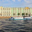 Hermitage on Neva river in St. Petersburg Russia - shooting from boat — Stock Video #36980705
