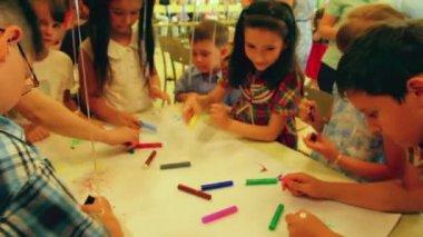 Children paint markers — Stock Video