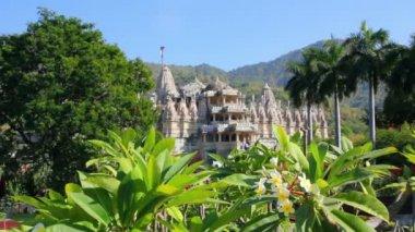 храм ранакпуре индуизм в раджастхан индия — Стоковое видео