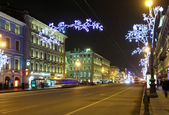 Nevsky Prospect in St. Petersburg at Christmas night — Stock Photo