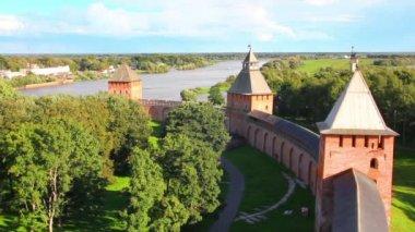 Veliky Novgorod - view from Kokuy tower on Kremlin, city and river — Vidéo